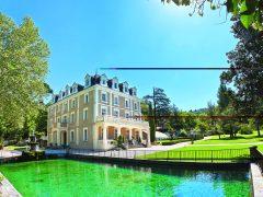 Gréoux-les-Bains, Parc naturel régional du Verdon, Alpes de Haute-Provence, 04Facades Jardins Bassin